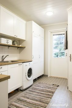 Kodinhoitohuone! Mudroom Laundry Room, Laundry Room Bathroom, Bathrooms, Living Room Designs, Living Room Decor, Utility Cupboard, Laundry Design, Laundry Room Inspiration, Room Goals