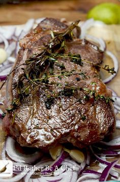 Super savory and packed full of richness, this boneless beef chuck roast recipe will have your guests coming back for more! Paleo, gluten free and low carb (Chuck Beef Recipes) Chuck Roast Recipe Oven, Chuck Steak Recipes, Beef Chuck Steaks, Beef Chuck Roast, Meat Recipes, Paleo Recipes, Crockpot Recipes, Dessert Recipes, Cooking Recipes