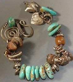 Jewelry care: how to clean your expensive jewelry Jewelry Crafts, Jewelry Art, Beaded Jewelry, Jewelry Bracelets, Vintage Jewelry, Fashion Jewelry, Bangles, Turquoise Jewelry, Turquoise Bracelet