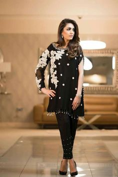 Everybody wants to look beautiful and charming.Here in this article, we will tell you party wear dresses for girls. Stylish Dresses, Simple Dresses, Beautiful Dresses, Casual Dresses, Fashion Dresses, Girls Dresses, Pakistani Fashion Casual, Pakistani Outfits, Indian Outfits