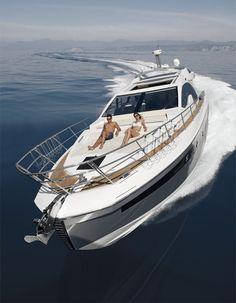 Azimut 55S : Meilleur bateau de moins de 20 mètres.