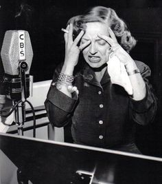 Bette Davis  Nervous breakdown 10.9.8.7.6.5.4.3.2..... 1