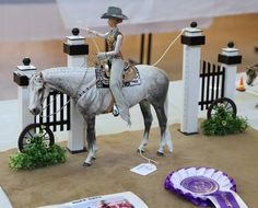 """Wynn"" owned by K. Doll created by artist Keri Parker of Keri's Custom Dolls: one of a kind Western dolls for the model horse performance enthusiast. Horse Background, Bryer Horses, Horse World, Horse Sculpture, Horse Photography, Horse Art, Show Horses, My Animal, Beautiful Horses"