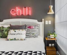 A bachelorette pad for a woman living alone for the first time. Grey Bedroom With Pop Of Color, Pink Bedroom For Girls, Chill Room, Tropical Bedrooms, Ideas Hogar, Vintage Room, New Room, Home Decor Bedroom, Dorm Room