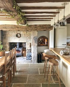 English Country Kitchens, English Farmhouse, English Country Decor, English Country Cottages, English Village, Country Farm, Modern Country, Stone Cottages, Stone Houses