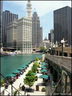 Chicago River walk -- we're ready for summer. Chicago Hotels, Chicago Travel, Chicago City, Chicago Style, Chicago Trip, Chicago Attractions, Chicago Vacation, Milwaukee City, Visit Chicago