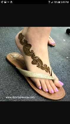 Tattoo Foot Unique Simple 47 Ideas For 2019 Mehndi Designs Feet, Legs Mehndi Design, Arabic Henna Designs, Mehndi Designs 2018, Modern Mehndi Designs, Mehndi Design Pictures, Wedding Mehndi Designs, Beautiful Mehndi Design, Mehndi Images