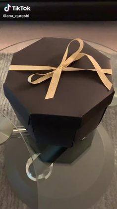 Diy Birthday Gifts For Friends, Birthday Gifts For Boyfriend Diy, Cute Boyfriend Gifts, Handmade Birthday Gifts, Bff Birthday Gift, Boyfriend Anniversary Gifts, Bff Gifts, Diy Gifts Videos, Diy Crafts For Gifts