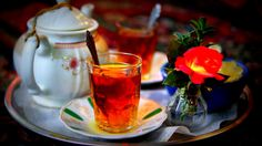 Persian Tea Iranian people are possibly the highest consumers of tea in the world and there is no doubt that during your trip, you will be invited to do this beloved tradition. As with most things Iranians, the love of tea came from the history of ruthless invaders. The tea is made using a Samovar (Big Steaming Kettle) which was a Russian Legacy, it keeps the teapot steaming while the tea is brewing. The delicious tea aroma is of tea leaves sprinkled with a handful of rose petals.
