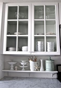 Love the idea of the little shelf above the countertop, so that things are displayed, but don't sit *on* the counter.