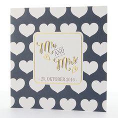 Mit diesen Hochzeitseinladungen im Stil der 50er Jahre liegen Sie voll im Trend. Hergestellt wurde diese Hochzeitseinladung aus einem herrlich schimmernden Premiumkarton, der wunderbar im Stil der 50er Jahre gestaltet wurde. Online bestellen - nur bei uns! top-kartenlieferant