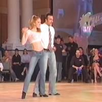 Dancers Jason Colacino and Katie Boyle entertain us with this dance to Honky Tonk Woman that is simply wonderful. Dancers Jason Colacino and Katie Boyle entertain us with this dance to Honky Tonk Woman that is simply wonderful. Swing Dance Songs, Swing Dancing, Dance Music Videos, Music Songs, Funny Dance Moves, Cool Dance Moves, Best Dance, Country Swing Dance, Country Line Dancing