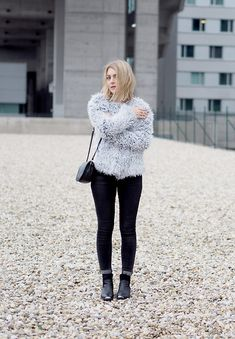 Noisy May Faux Fur Jacket, Never Denim Jeans, Object Ankle Boots, Second Hand Bag, Efva Attling Ring, Pink Lipstick