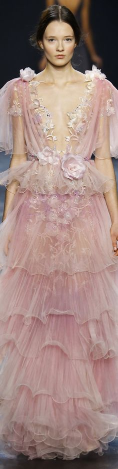 Catwalk photos and all the looks from Marchesa Autumn/Winter Ready-To-Wear New York Fashion Week Couture Mode, Style Couture, Couture Fashion, Runway Fashion, Fashion Show, Fashion Trends, Fall Fashion, Fashion 2016, Dior Spring 2017