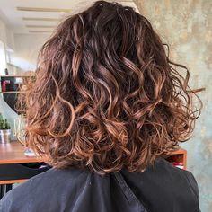 60 Medium Length Haircuts and Hairstyles to Pull Off in 2020 Medium Curls, Medium Hair Cuts, Long Hair Cuts, Medium Hair Styles, Long Hair Styles, Thin Curly Hair, Haircuts For Curly Hair, Long Bob Hairstyles, Bob Haircuts