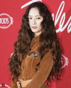 ( Fx ) 에프엑스 Krystal Jung # 크리스탈정 # ❤ Jung Soo Jung ❤ 정수정 ❤ Jessica & Krystal, Krystal Jung, Jessica Jung, Kpop Girl Groups, Kpop Girls, Rhythm And Blues, Woman Crush, Fashion Models, Women's Fashion