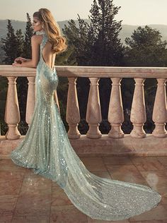 Hey fashionista, today I found this collection of glamorous evening dresses by Oved Cohen and I want to share it with you. Oved is a great designer with a Applique Wedding Dress, Applique Dress, Glamorous Evening Dresses, Evening Gowns, Prom Dresses, Wedding Dresses, Dresses 2014, Long Dresses, Long Gowns