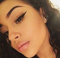 Pinterest: @ withloveAriel Tweezing Eyebrows, Threading Eyebrows, Pretty Makeup, Cute Makeup, Glam Makeup, Skin Makeup, Makeup Looks, Amazing Makeup, Best Makeup Products
