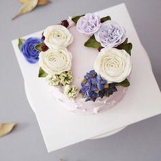 student's works_Detail course 1st class🌸  #flowercake #butter #julietrose…