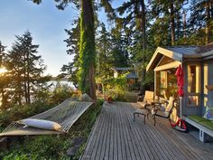 Charming Waterfront Cottage * Holmes Harbor &... - VRBO