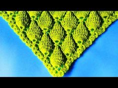 Learn how to make a shawl with a tutorial video showing step by step this beautiful crochet yarn in the store. - Crochet Patterns