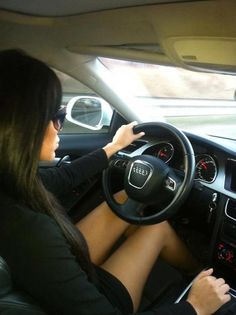 Image de girl, car, and audi Dream Cars, Woman In Car, Up Auto, Girls Driving, Girly Car, Luxury Lifestyle Women, Audi Cars, New Trucks, Fiat 500