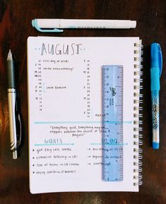 Monthly Bullet Journal Layout, Bullet Journal Ideas Pages, College Organization, School Motivation, School Notes, Studyblr, Writing Tips, Fiat, Handwriting