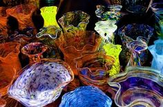 """Slumping glass constitutes bending, or """"slumping,"""" fused glass over or into a mold. Glassworkers usually slump their medium over metal molds and into ceramic molds. To complete the slumping process, take your glass through heating and cooling processes.  Live Inspired Live Well"""