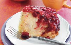 Slow Cooker Cranberry Upside-Down Cake - On Poinsettia Drive Cranberry Upside Down Cake, Cranberry Cake, Cranberry Recipes, Slow Cooker Desserts, Slow Cooker Recipes, Cooking Recipes, Just Desserts, Delicious Desserts, Apple Coffee Cakes