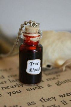 Glass Vial Necklace True Blood by spacepearls купить Bottle Jewelry, Bottle Charms, Mini Bottle, Vial Necklace, Necklaces, Magic Bottles, Miniature Bottles, Potion Bottle, Glass Vials