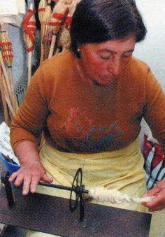 """Página Oficial do Rancho Folclorico """"Meu País"""" de Maisons-Alfort. Rolos feitos no caneleiro."""