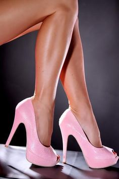 Pink shoes I could never wear but they are KILLER!!!