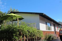SB Bungalow -  Close to Everything - vacation rental in Santa Barbara, California. View more: #SantaBarbaraCaliforniaVacationRentals