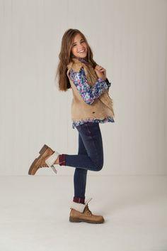 Latest Fashion Dresses For Teenage Girls Girls Fall Fashion, Kids Winter Fashion, Preteen Fashion, Winter Outfits For Girls, Cute Outfits For Kids, Fashion 101, Toddler Fashion, Outfits For Teens, Autumn Fashion
