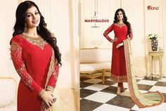 Designer suit with heavy embroidery dupatta . Chiffon Saree, Chiffon Dress, Designer Gowns, Designer Wear, Pakistani Party Wear Dresses, Heavy Dupatta, Kasavu Saree, Party Kleidung, Indian Bollywood