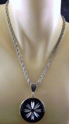 "Vintage Round Locket Pendant Necklace Flower Motif Black Silver Tone 14-1/4"""
