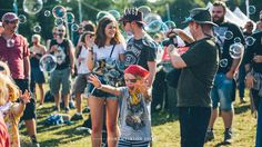 Dr Zigs Extraordinary Bubbles at Festival no6 2014 - visit our website www.drzigs.com