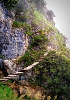 Isidor Klettersteig auf den Grünstein in Berchtesgaden - Pin Tool Great Places, Places To See, Beautiful Places, Puente Golden Gate, Dangerous Roads, Travel Photography, Nature Photography, Travel Goals, Germany Travel