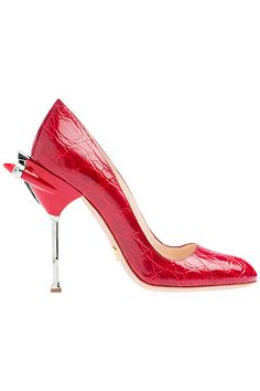 Prada has just learned a way to my heart with these American Classic Car  inspired Red Pumps 8fd5d28a6