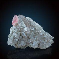 quartz mineral data mineralogy database - 236×236