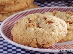 Easy Oatmeal Cookies - cake mix recipe - possible variations to try - add choc chips or toffee chips or butterscotch chips or cinnamon chips Healthy Oatmeal Recipes, Healthy Oatmeal Cookies, Oatmeal Cake, Oatmeal Cookie Recipes, Cookie Desserts, Just Desserts, Oatmeal Dessert, Cookie Cups, Cookie Dough
