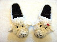 pantofole Crochet Baby Socks, Projects To Try, Slippers, Shoes, Women, Dresses, Fashion, Knitting And Crocheting, Outfits