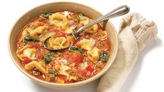Warm up italian style with this Simple tortellini soup recipe Real Food Recipes, Soup Recipes, Dinner Recipes, Cooking Recipes, Healthy Recipes, Healthy Food, Recipies, Yummy Food, Split Pea Soup Recipe