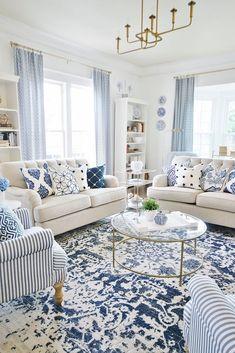 Blue And White Living Room, Blue Living Room Decor, Coastal Living Rooms, Blue Home Decor, Blue Living Room Furniture, Blue And White Pillows, French Living Rooms, Living Room Pillows, White Rug