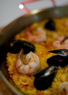 Paella de mariscos | LA Times Food