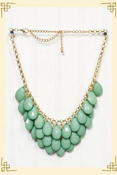 In love with necklaces like this. Where can I find one?! @Ashley Winder