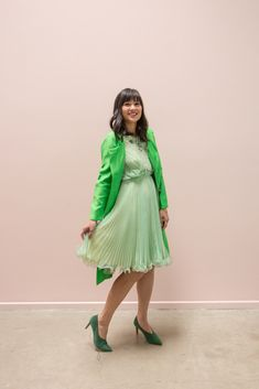 How to Wear Green on
