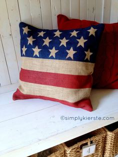 burlap flag pillow for your Fourth of July decor | simplykierste.com