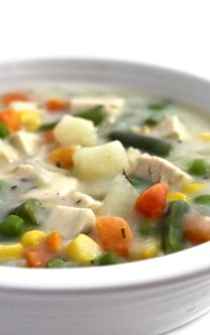 Skinnylightful Chicken Pot Pie Soup. A big bowl of NEW delicious comfort food. This soup is much lighter than a traditional pot pie but has all the yumminess! Each main course bowl has 260 calories, 3 grams fat & 6 Weight Watchers POINTS PLUS. http://www.skinnykitchen.com/recipes/skinnylightful-chicken-pot-pie-soup/