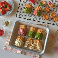 Mochi Cake, Matcha Smoothie, Breakfast Dessert, Aesthetic Food, Cute Food, Food Photo, Sweet Recipes, Cravings, Tasty